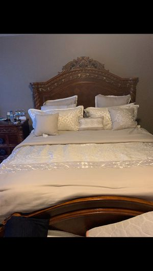 Bed set for 800$ for Sale in Irwindale, CA