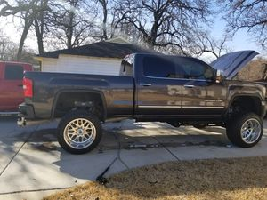 Se lubrica y se engrasa tu auto x debajo evita el rechinido y el óxido en tú chasis y suspensión for Sale in Arlington, TX