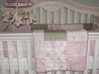 Munire -Savannah Collection Baby/girl Bedroom Set for Sale in Yorba Linda,  CA
