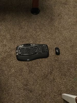 Logitech wireless keyboard and mouse for Sale in Bakersfield, CA