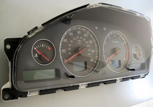 2005-2006 /Volvo S60 (Instrument cluster/ Speedometer) for Sale in Los Angeles, CA