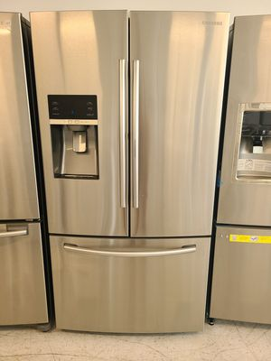 Samsung stainless steel French door refrigerator with showcase used good condition with 90 days warranty for Sale in Mount Rainier, MD