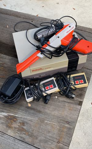 Original Nintendo system with 2 controllers, gun, and 5 games for Sale in Fort Lauderdale, FL