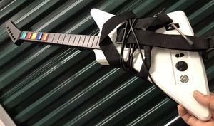 X box consolé con guitarra y algunos juegos for Sale in Sebring, FL