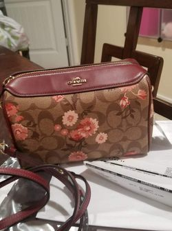 Authentic Coach Signature Crossbody Purse New With Tags for Sale in National City,  CA