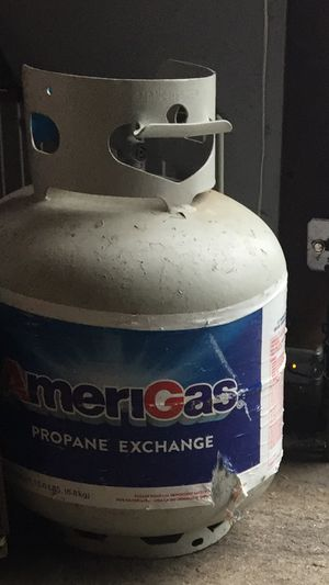Propane tank half full for Sale in Stone Park, IL
