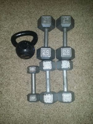 Dumbbells iron pair of 25s, 15s and one 8lb. 20lb kettle bell for Sale in Coconut Creek, FL
