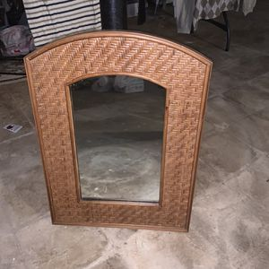 Wall Mirror for Sale in Sterling Heights, MI
