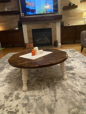 Real wood coffee table for Sale in Richmond, CA