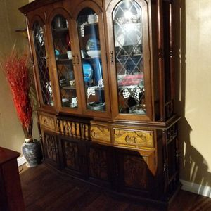 Beatiful China Japanese Cabinet Real Wood Asking $400 Dollars Or Best Offer for Sale in Las Vegas, NV