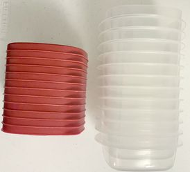 12 Rubbermaid Containers for Sale in Columbus,  OH