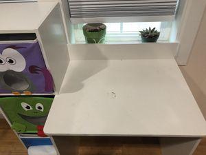 Kids desk $60 for Sale in Seattle, WA