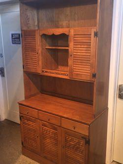 Ethan Allen Rustic Ranch Style Hutch for Sale in Auburn,  WA