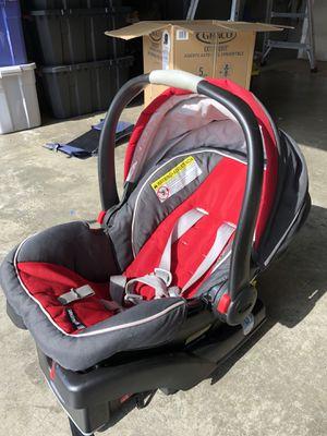 Graco Car Seat Snugride 35 for Sale in Sumner, WA