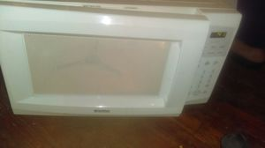 Kenmore microwave for Sale in Cleveland, OH