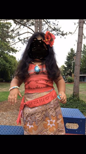 Moana size 4-6x girls Costume ( shirt & skirt only) for Sale in Everett, WA