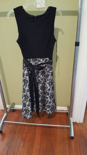 Dress for Sale in Woodbridge, VA