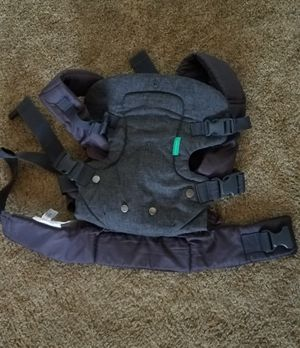 Infantino baby carrier backpack sling great for Halloween trick or treating for Sale in Tolleson, AZ