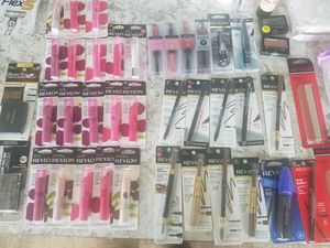 Maquillaje y rastrillos mujer y hombre for Sale in Saint Paul, MN