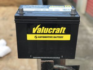 New car battery 600cold cranking amps 750 cranking amps for Sale in Houston, TX