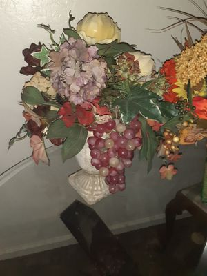 Decrotive Silk Flowers for Sale in Sacramento, CA