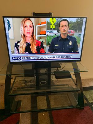Tv and stand for Sale in Dublin, CA