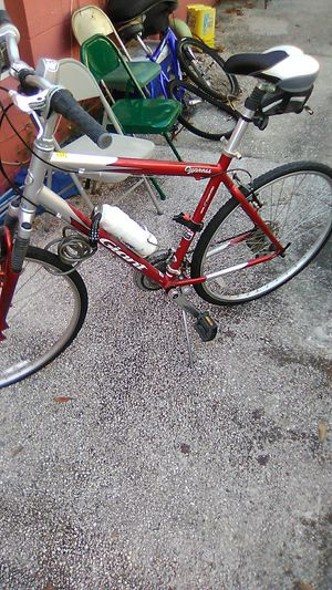 21' Giant Cypress hybrid mens bike for Sale in Tampa, FL