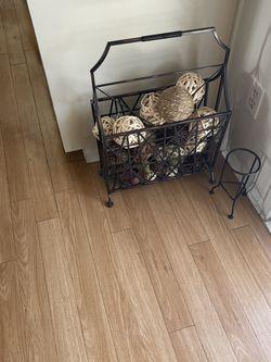 Cute Home Decor Iron Magazine Rack for Sale in La Habra,  CA