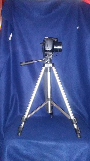 """18"""" to 48"""" Photographers Tripod for Sale in Grand Prairie, TX"""