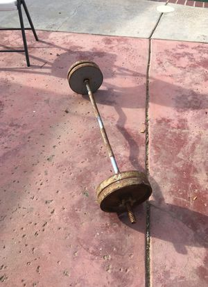 Curl bar with everything and 4 10 pound plates for Sale in Del Rey, CA