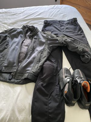 Men's small motorcycle gear for Sale in Wilsonville, OR