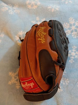 Rawlings Fastpitch Softball Glove with Velcro adjustment for Sale in Kent, WA