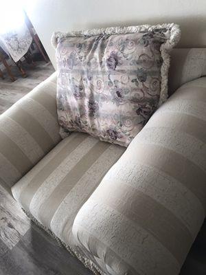 Beautiful sofa great condition for Sale in Hesperia, CA