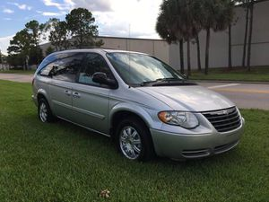 2006 Chrysler Town & Country LWB for Sale in Orlando, FL