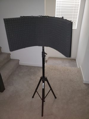 Mic stand with isolation Shield 20$ for Sale in Chula Vista, CA