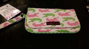 Bungalow 360 wristlet Handbags. for Sale in Baltimore, MD