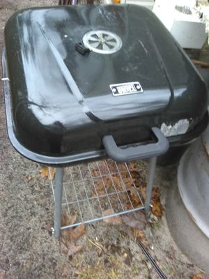 Grill used for a season and a half for Sale in Hammonton, NJ
