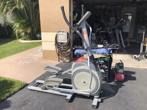SCHWINN 420 ELLIPTICAL EXERCISE TRAINER FITNESS CARDIO MACHINE 12 PROGRAMS for Sale in Pembroke Pines, FL