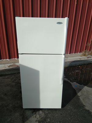 Whirpool apartment garage refrigerator for Sale in Ceres, CA
