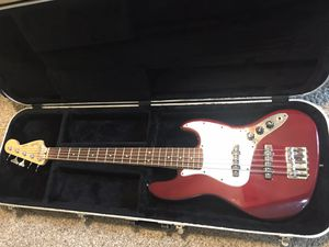 Fender 5 string Jazz Bass Guitar V wine red with hardcase for Sale in DW GDNS, TX