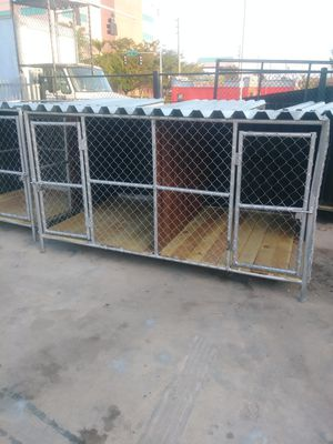 8x5 dog kennel double for Sale in Miami, FL