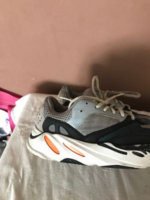 Yeezy waverunner 700 for Sale in NEW CARROLLTN, MD