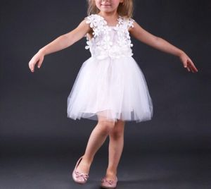 Girls toddler Wedding Special Ocassion Lace and Tulle Dresses 2T 3T 4T for Sale in Menifee, CA
