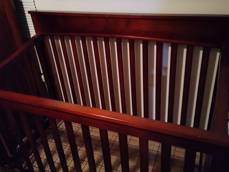 Brown DaVinci Crib 3-in-1 With Changing Table for Sale in Tampa,  FL