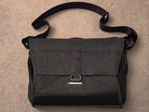 Peak Design Everyday Messenger Bag in great condition for Sale in Redmond, WA