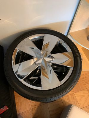 "18"" chrome rim's —4– for Sale in Brooklyn, NY"
