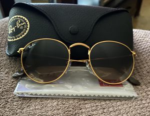 Ray Ban for Sale in Eau Claire, WI