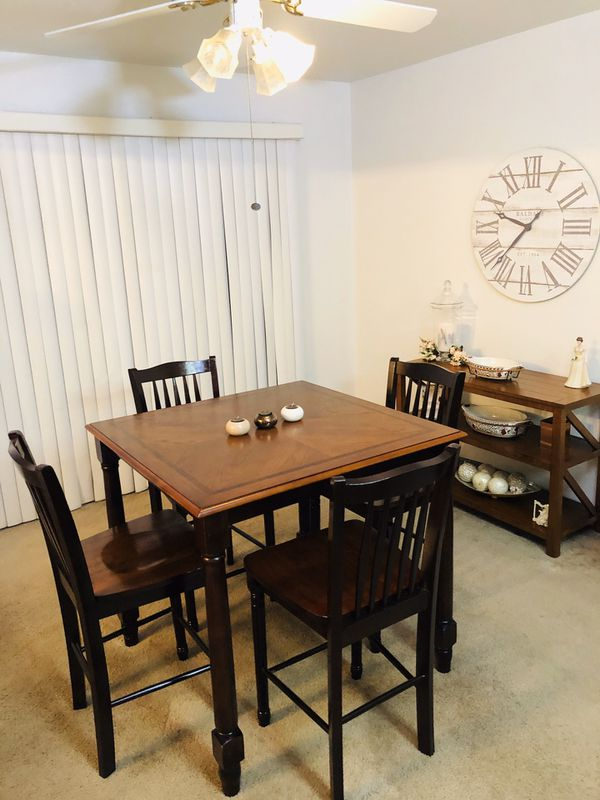 Farmhouse-style Dining Room Set (Table & Chairs, Console Table & Wall Clock)