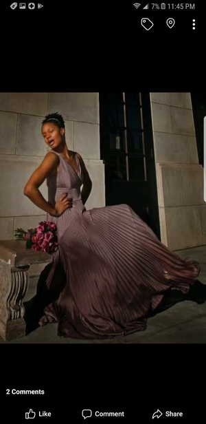 Beautiful dress from Bloomingdales size 8! for Sale in Atlanta, GA