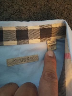 Mens burberry collar shirt size xxl for Sale in Schiller Park, IL
